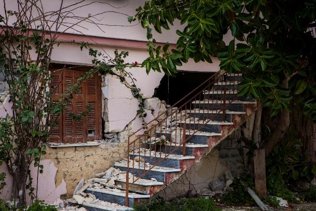 Agios Dhmhtrios Seismos (1)