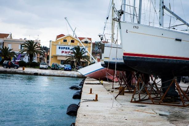 Limani Lhjoyri Seismos (1)