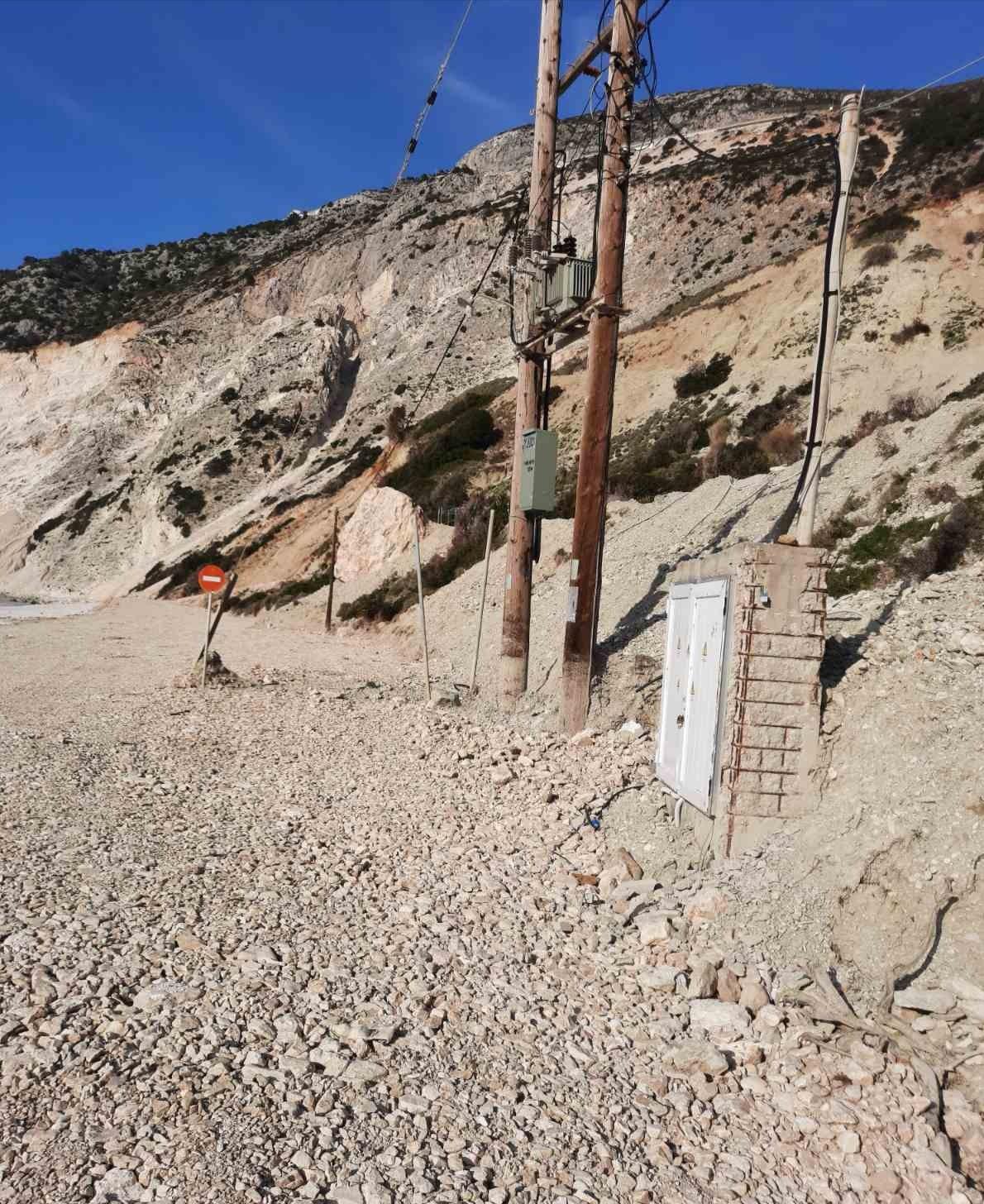 Ανδρέας Κωνσταντάτος: Μύρτος, μια έρημη παραλία -SOS σε ολόκληρη τη βόρεια Κεφαλονιά [εικόνες]